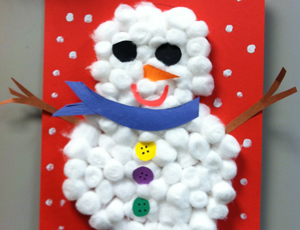 Here's a cotton ball snowman craft with a difference because this one is completely 3D! Kids can make cute snowmen that actually stand up! This is such a fun Winter craft for the kids.