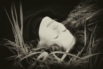 Photo of author Amy Timberlake in the grass