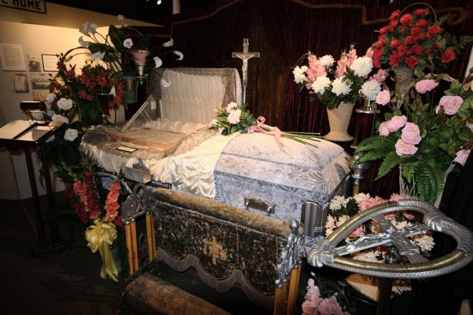Coffin set up for viewing