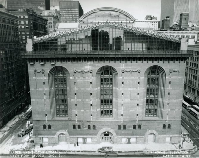 Source: Chicago Public Library Archives. Harold Washington Library Center Construction Photographs. Peter Fish Studio, Chicago. Elevation of south side of building, 1991 March 14.