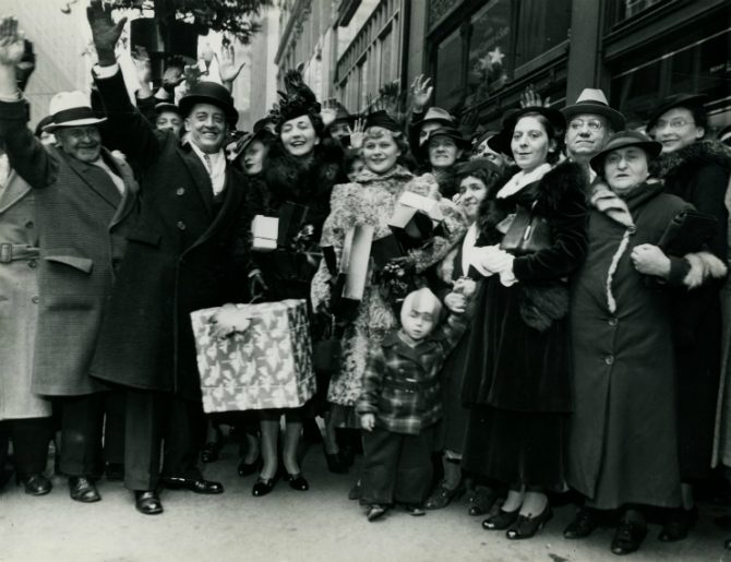 Source: Special Collections, Chicago Loop Alliance Collection, Box 1, Folder 30, Image 8. Christmas Shoppers, Chicago, 1936